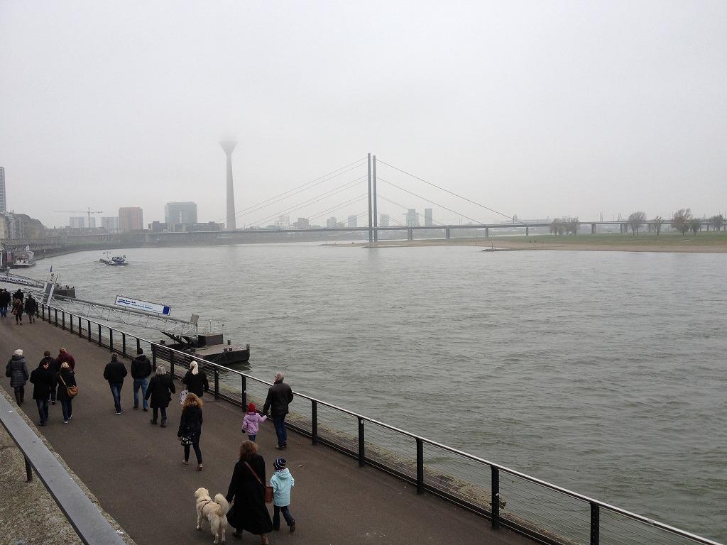 デュッセルドルフにあるライン川の景色