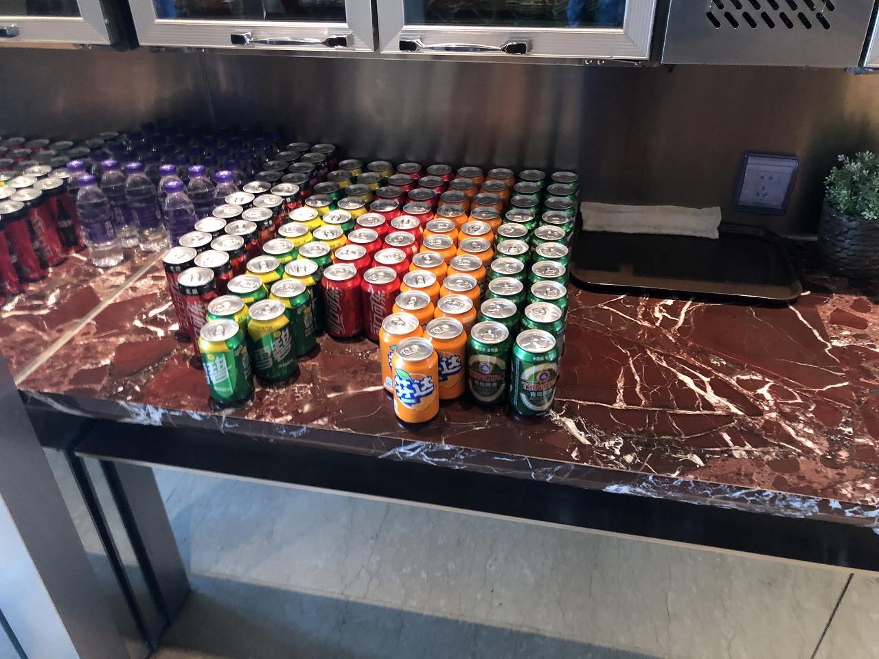 上海浦東空港ターミナル1国内線でプライオリティ・パスが使えるラウンジ 飲み物