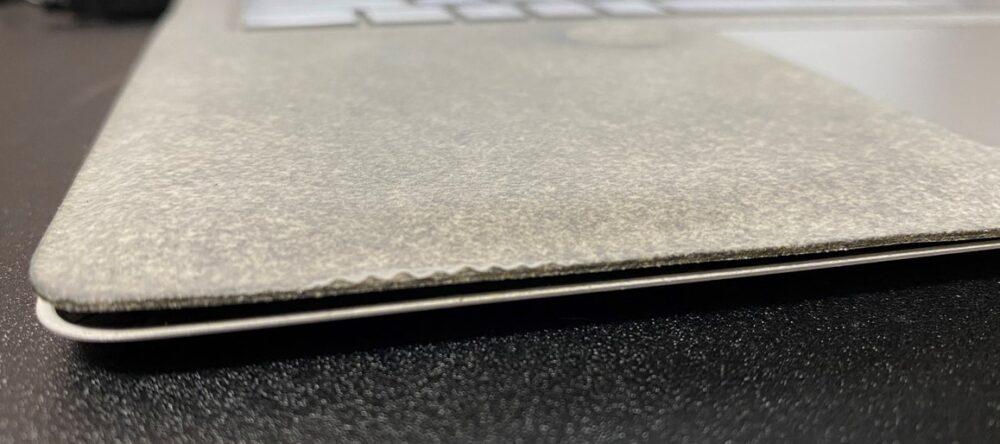 Surface Laptop 天板が閉まらない状態